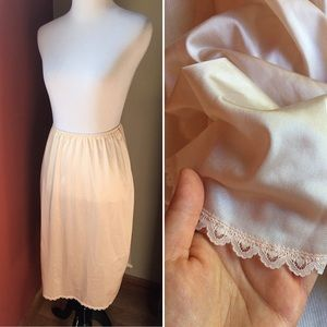 Vintage cream lace slip skirt with slits sz Small